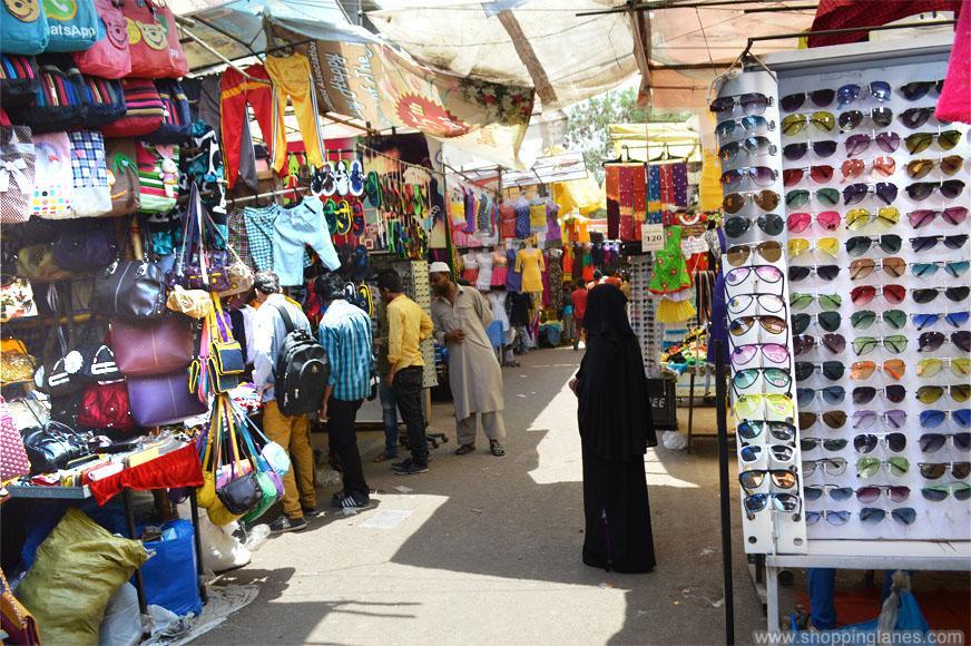 Fashion Street - Cheap Street Shopping Destination Of Mumbai